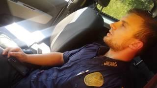 Straż Miejska z Debrzna-Jak oszukać kierowców? Schować radar za drzewem !