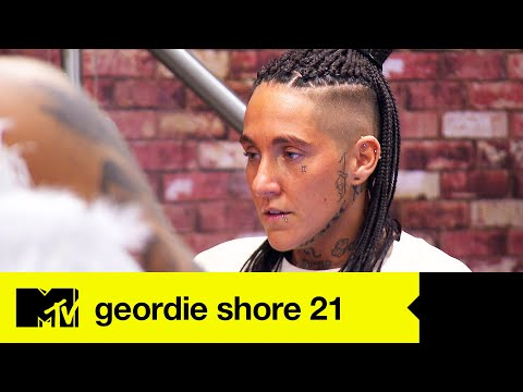 EP #6 FIRST LOOK: Nat Shocks The House With Surprise Exit   Geordie Shore 21