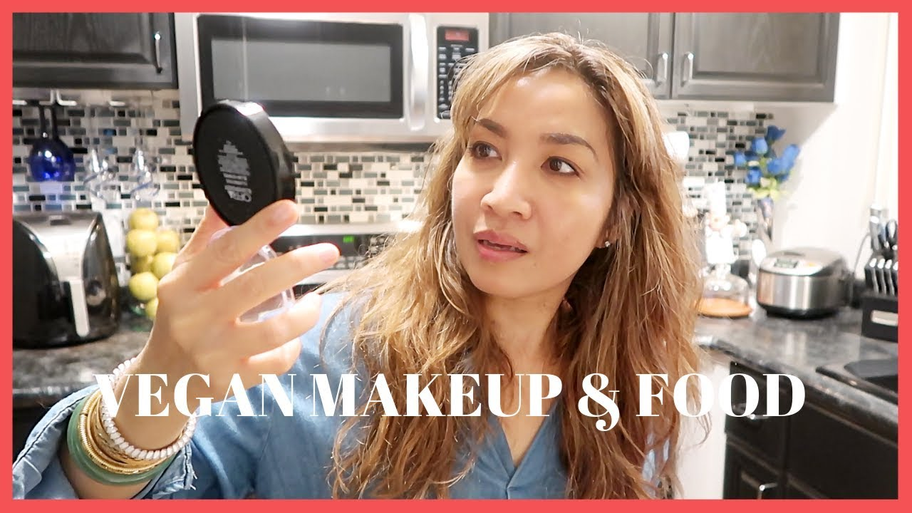VLOG: I'M BACK! UNBOXING VEGANCUTS MAKEUP SUMMER BOX WHILE COOKING