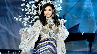 Nonton Victoria S Secret Fashion Show  Angels Support Ming Xi After Falling  Alessandra Ambrosio Takes H    Film Subtitle Indonesia Streaming Movie Download