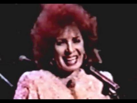 Tekst piosenki Shirley Bassey - Still po polsku