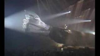 image of Hallyday - Intro Zénith 84