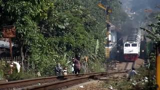 Video Kereta Api Argo Wilis di Tanjakan Ekstrim Nagreg MP3, 3GP, MP4, WEBM, AVI, FLV Oktober 2018