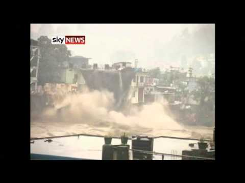 Video Uttarakhand, India: Flood Deaths As Homes Fall Into River download in MP3, 3GP, MP4, WEBM, AVI, FLV January 2017