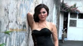Video Sukses Di Hollywood , Solena Chaniago Rindukan Indonesia MP3, 3GP, MP4, WEBM, AVI, FLV November 2018