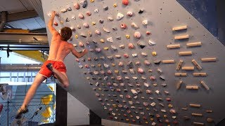 First Moonboard Session - Analytic Bouldering! by Mani the Monkey