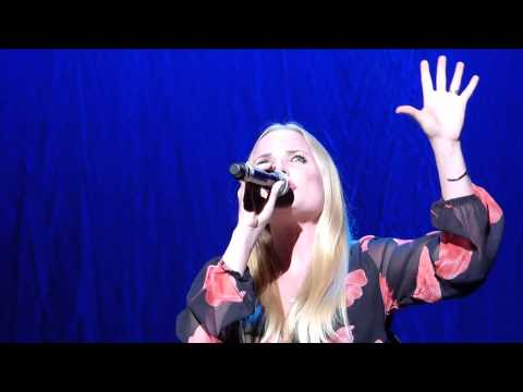 kristin - This video is of Kristin Chenoweth and Kerry Ellis performing For Good from Wicked the Musical during Kristin's debut UK concert at the RAH on 12th July 2014...