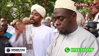 Video INASIKITISHA! Tazama Mazishi ya Mke wa Mzee Yusuf na Alichokisema Makaburini MP3, 3GP, MP4, WEBM, AVI, FLV Juni 2019