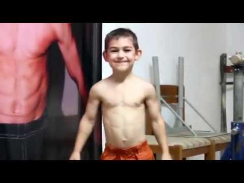 Video Bodybuilder Kid - Strongest Kids In The World - Giuliano Stroe download in MP3, 3GP, MP4, WEBM, AVI, FLV January 2017