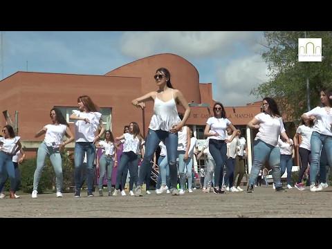 Flashmob solidario en Albacete de la Facultad Educación