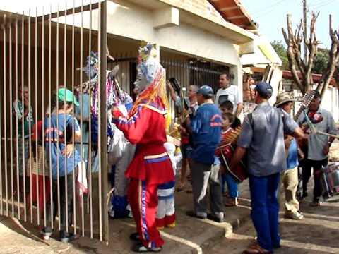 Folia de reis em Minas Gerais - tradição, cultura, emoção de uma folia de Reis.