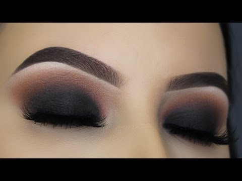 Classic Black Smokey Eye Tutorial