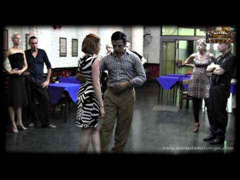 http://airesdemilonga.com/es/home/todos-los-videos/viewvideo/1280/clases/escuela-de-baile-del-tango-mecanica-natural-del-cuerpo-parte-2