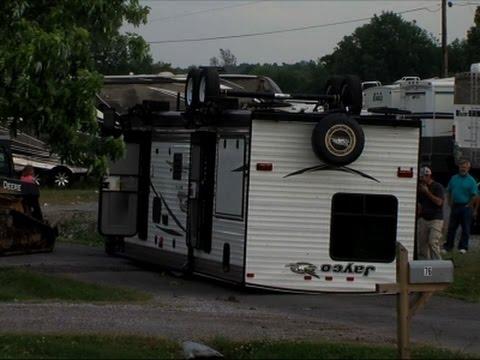 Raw: Tornado Hits Kentucky, At Least 10 Hurt
