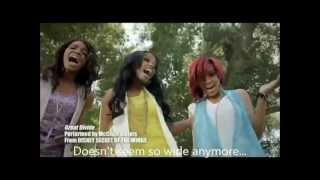 Site: http://secret-of-the-wings.tk/ Las McClain Sisters son un grupo de chicas estadounidense, formado en Atlanta, Georgia en 2011. El grupo está formado por las hermanas, China Anne McClain, Sierra Aylina McClain y Lauryn Alisa McClain.