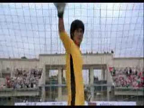 brisli - cool video from the movie saolin soccer! he look like Bruce Lee! :) enjoy! :)