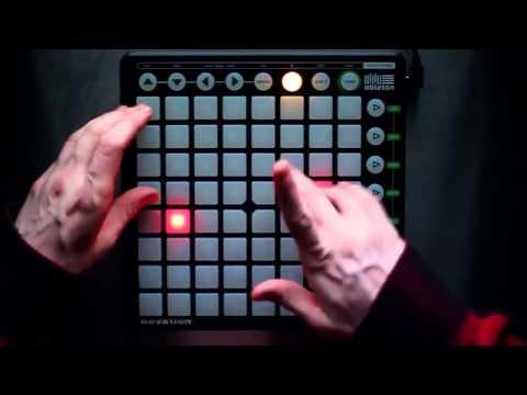 Музыка- на драм машине (Skrillex) (видео)