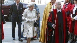 Video Kate Middleton joins Queen at coronation service MP3, 3GP, MP4, WEBM, AVI, FLV Januari 2019