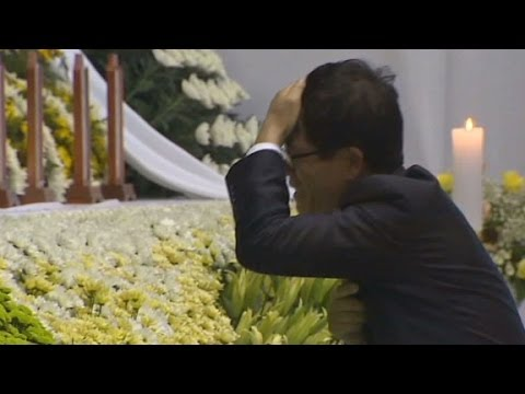 Lost - Family, friends and strangers came to pay their respects to students lost in the ferry sinking in South Korea.