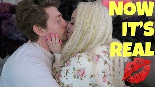 Video I CAN'T BELIEVE HE DID THIS FOR ME!! MP3, 3GP, MP4, WEBM, AVI, FLV Oktober 2018