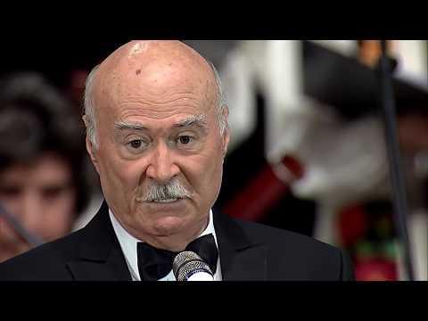 Tudor Gheorghe:  Vin colindătorii (Leru-i ler) (видео)