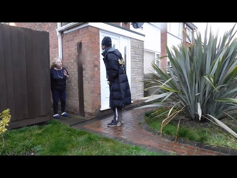 Knocking on people doors asking to use the toilet 🚽 😂 [ PRANK ]
