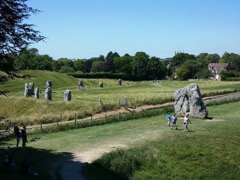 Avebury Stone Circle and West Kennet Long Barrow round  | wiltshire  Walks