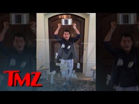 Nejoriginálnější IceBucketChallenge v podání Charlieho Sheena