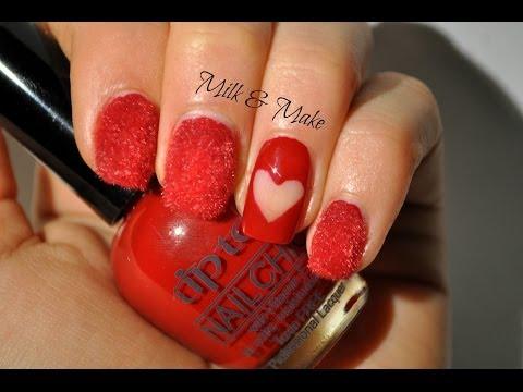 nail art di san valentino - cut heart