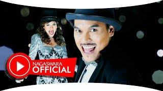 Download Lagu JC Hudson - Penasaran (Official Music Video NAGASWARA) #music Mp3