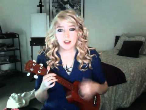 All The Small Things – Blink-182 ukulele cover by Stephanie Rose