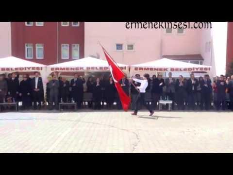Ermenek'te Türk Bayrağına Saygısızlık..Milli Eğitim Şube Müdürü Ayağa Kalkmadı
