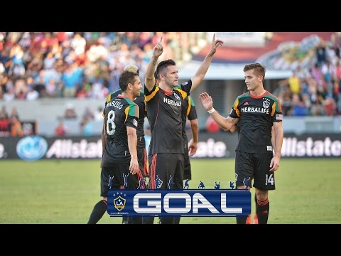 Video: Robbie KEANE amazing CHIP vs Chivas USA | GOAL