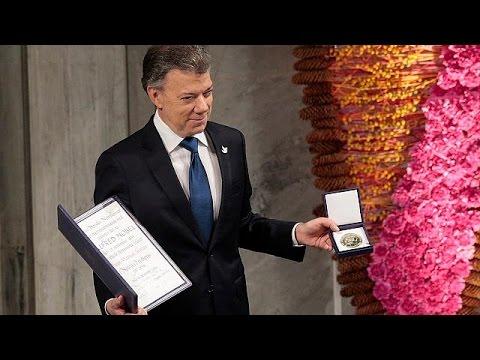 Στα θύματα του εμφυλίου αφιέρωσε το Νόμπελ Ειρήνης ο πρόεδρος της Κολομβίας
