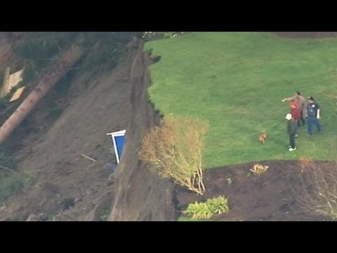 Landslide - A chunk of Whidbey Island slid into the water, forcing the evacuation of 34 homes.