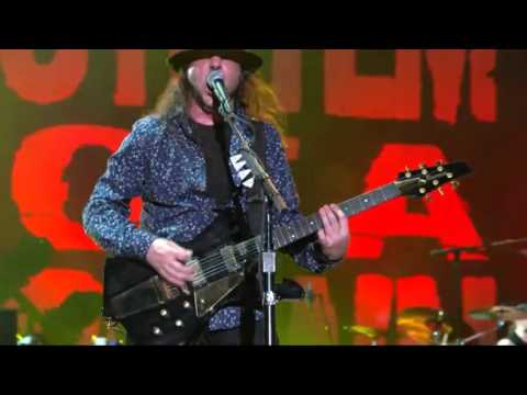 System Of A Down - BYOB 'Intro Soldier Side' [Rock In Rio 2015 HD]