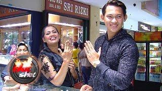 Video Ely Sugigi dan Irfan Sbaztian Beli Cincin Tunangan - Hot Shot 29 Juni 2018 MP3, 3GP, MP4, WEBM, AVI, FLV September 2018