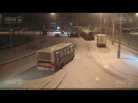 ДТП на ул. Рождественская Набережная д.1 25.02.2018