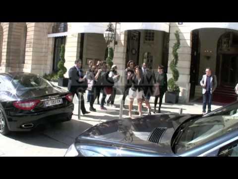 Kim Kardashian and her mother Kris shopping at Hermes in Paris