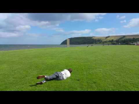 Strong Winds Hilariously Lift Kite Flyer Off the
