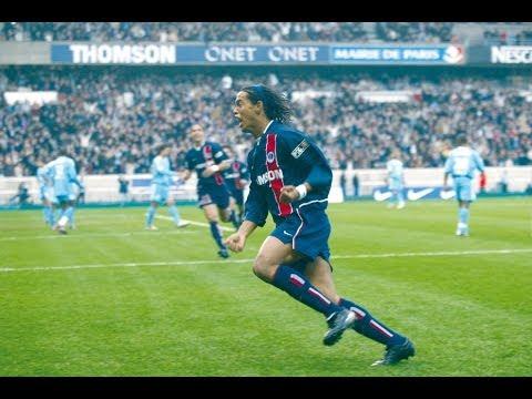 Paris Saint Germain fue el primer club europeo en donde jugó Ronaldinho. Estuvo dos temporadas (2001/2003) y ganó la Copa Intertoto.