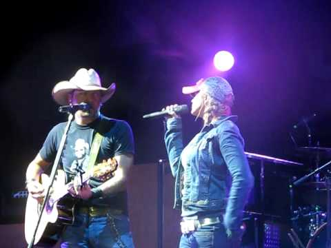 Video Jason Aldean and Miranda Lambert Grown Woman download in MP3, 3GP, MP4, WEBM, AVI, FLV January 2017