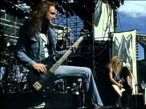 tolls - From the DVD Cliff 'Em All Buy now in the Met Store at Metallica.com - http://bit.ly/LHHkgX For Whom the Bell Tolls (Live) Recorded live in August 31, 1985 a...