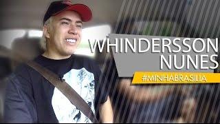 Whindersson Nunes é o maior fenômeno da internet brasileira. Com 21 anos e mais de 17 milhões de seguidores no youtube, ele arrasta multidões em seus shows. O garoto pobre de Bom Jesus no Piauí ganhou o mundo. Imperdível!!#MINHABRASILIA nº 171FANPAGE /// www.facebook.com/minhabsbINSTAGRAM /// @minhabrasilia