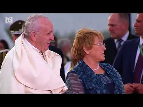 Video: Pope Francis arrives in Chile