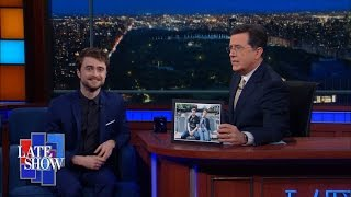 Nonton Three Words Sum Up Daniel Radcliffe's New Movie: Farting, Erection, Corpse Film Subtitle Indonesia Streaming Movie Download