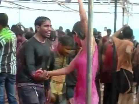 Indian aunty hot nip slip in holi