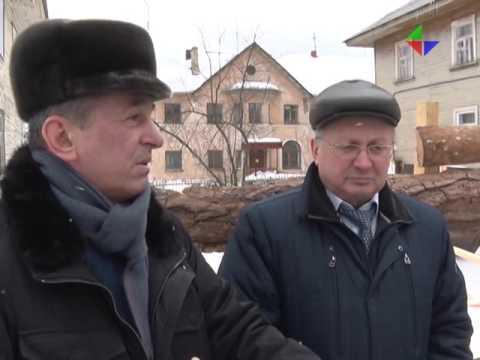 Юрий Иванов и специальная комиссия проинспектировали, как продвигаются работы в домах поселка Горный