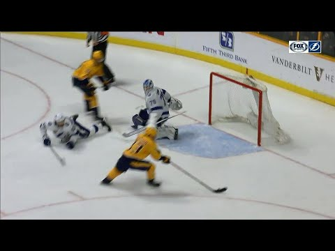 Video: Predators score, play continues, they score again vs Lightning