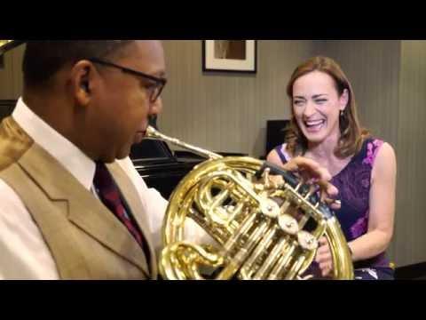 Wynton Marsalis takes the Sarah´s Music Horn Challenge